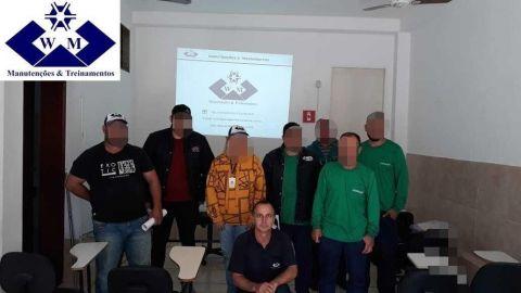 Treinamento: operador mantenedor de equipamentos florestais.